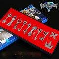 1 Unidades = 10 Unids Nueva Llegada Arma Kingdom Hearts Sora Riku Weapon Set Con Paquete de la Caja de Metal Colgantes Llavero envío Gratis
