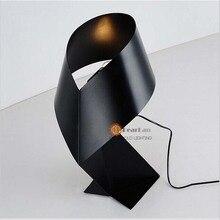 Fashional современные настольные лампы с черный и белый цвета офисный стол спальня настольная лампа украшение свет для ухода за больным
