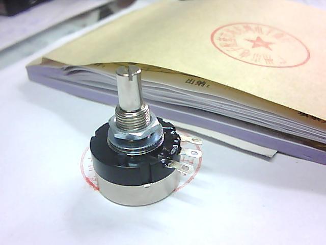 2PCS/LOT TOCOS potentiometer RV24YN, 20S, B202
