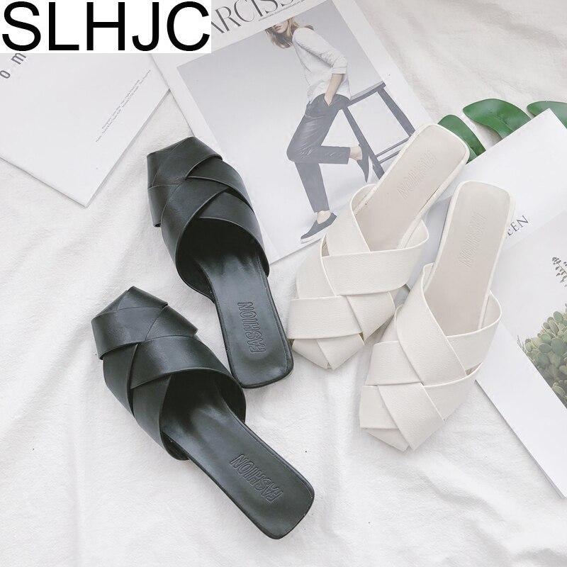 SLHJC Летние тапочки кожа плоская подошва Для женщин летом за пределами Повседневные шлепки песчаный пляж Босоножки площадь закрыта трикотаж...