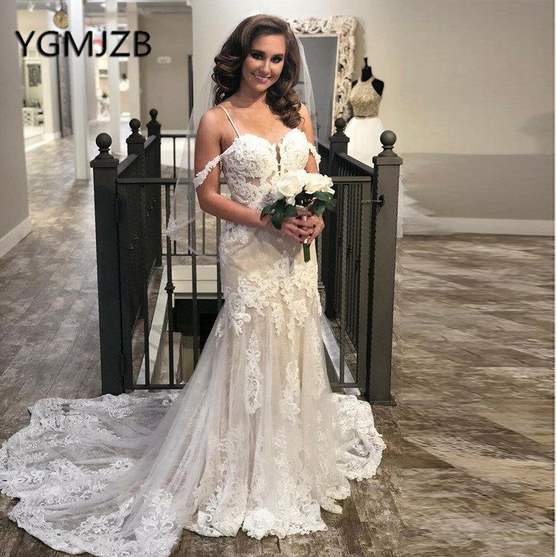 Sexy Beach Boho Wedding Dresses 2019 Off The Shoulder Beads Appliques Sweep Train Long Bride Dress Bridal Gown Wedding Gown