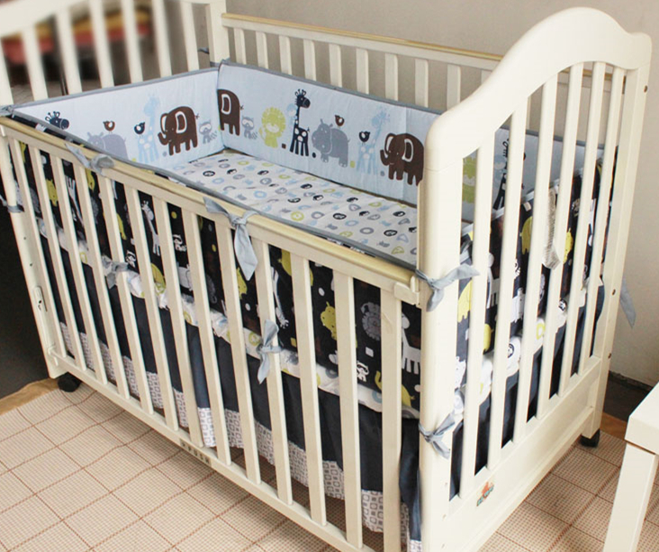 5pcs Embroidery Baby Bedding Set Cartoon Images Soft Crib Bedding Set Good Quality Cot Bumpers ,include (4bumper+bed Cover)