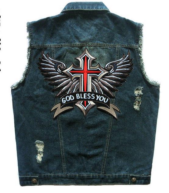 Erkek Kıyafeti'ten Jileler ve Yelekler'de Erkek Mavi Kot Punk Motosiklet Kulübü motorcu yeleği Altın Korusun Kanatları Yama Tasarımları Sıkıntılı Kolsuz Ceket'da  Grup 1