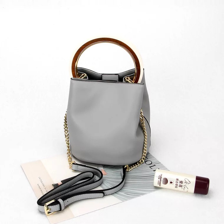 HANYUNA Brand Genuine Leather Big Capacity Bucket Bag with Gold Metal Round Top Handle for Fashion Ladies Pursesdy Handbag italbaby конверт на выписку на молнии italbaby love крем