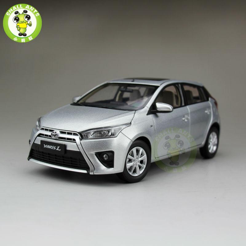 ФОТО 1:18 Toyota New Yaris L Diecast Car Model Silver Color