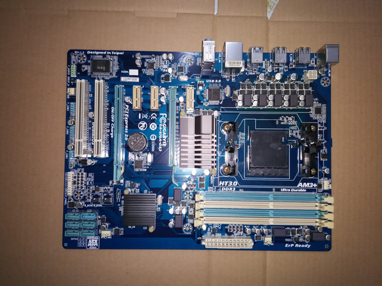 Free shipping 100% new 100% original motherboard for gigabyte GA-970A-DS3 AM3 AM3+ DDR3 970A-DS3 32GB ATX desktop motherboard  free shipping original motherboard for gigabyte ga a55 s3p socket fm1 ddr3 32gb a55 s3p all solid atx desktop motherboard