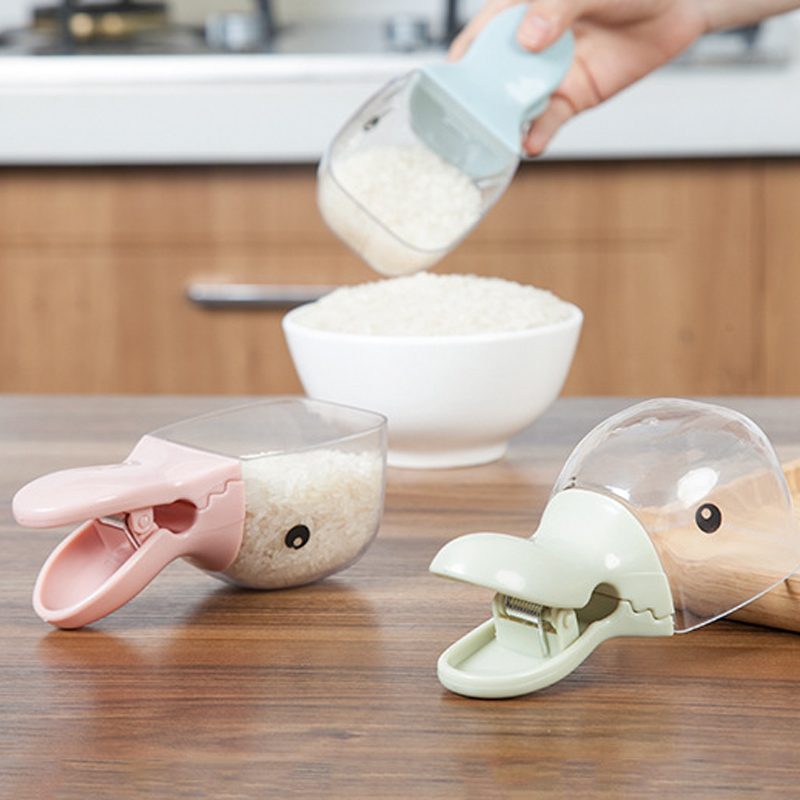 Cartoon modeling rice spoon Bag Clip Plastic sealing Clamp Bean Corn Shovel Small Kitchen spoon Portable Household tools Healthy