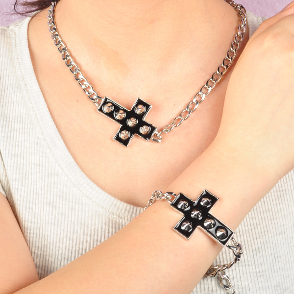 Artilady fashion silver plating with spike cross necklace bracelet set engagement necklace jewelry womens jewelry 2015 new