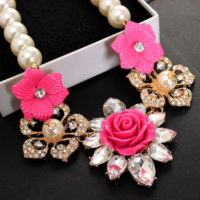 Encanto de las mujeres Collar de Flores de Metal de Moda Cadena de Oro Collar de Perlas Multicolor Maxi Gargantillas Collares y Pendientes de La Joyería Declaración