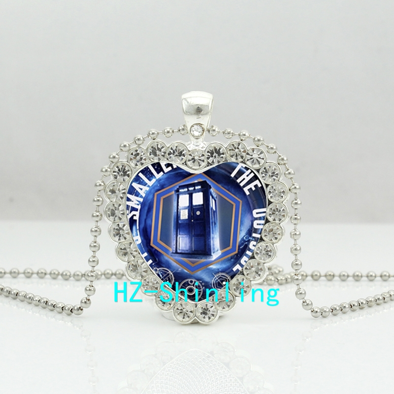 New Doctor Who Crystal Heart Necklace Tardis Time Machine Jewelry Heart Shaped Necklace Crystal Pendant HZ6
