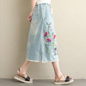 Image 2 - NYFS Falda larga de estilo Vintage para mujer, faldas largas bordadas, estilo vintage, con dobladillo, 2020