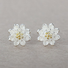 925 Sterling Silver Lotus Shaped Earrings