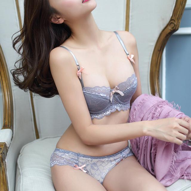 DeRuiLady Sexy Lace Bra Set Ultra-thin Bra Briefs Set