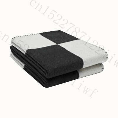 H 毛布チェック柄のカシミヤかぎ針ソフトウールスカーフショールポータブル暖かいソファベッドフリースニットピンクスローブランケットブランド H 手紙