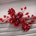 Великолепная волосы расческой Красный цветочные повязка женщины ювелирные изделия перлы hairband украшения для волос свадебная тиара свадебные аксессуары RE585