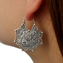 Antique silver Gypsy อินเดีย Tribal Hoop Dangle Mandala ต่างหู Boho10.8(China)