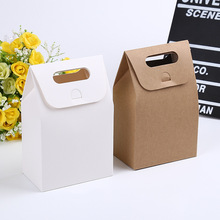 20 pcs 10x6x15.5cm candy box kids Birthday party cookies bag kraft paper gift box handle candy packaging kids white gift bag все цены