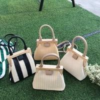 Retro Woven Straw Bag Wooden Top Handle Clip Bag Buckle Women Shoulder Messenger Bag Clutch Purse Bolso femenino Lady Handbag