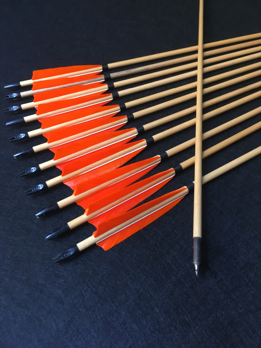 6/12 pcs tranditional wooden arrow turkey feather wood arrows archery bow hunting shooting6/12 pcs tranditional wooden arrow turkey feather wood arrows archery bow hunting shooting
