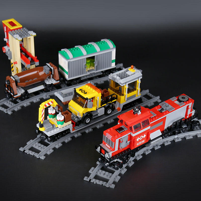 Lepin 02039 The Red Cargo Train Set DIY Christmas Gifts Genuine 898Pcs City Series 3677 Building Blocks Bricks Educational Toys ynynoo lepin 02043 stucke city series airport terminal modell bausteine set ziegel spielzeug fur kinder geschenk junge spielzeug