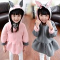 2015 de la Cremallera de Invierno ropa de los niños niñas camisa de imprimación engrosamiento sudadera de manga larga sudaderas con capucha suéter de dibujos animados orejas de conejo