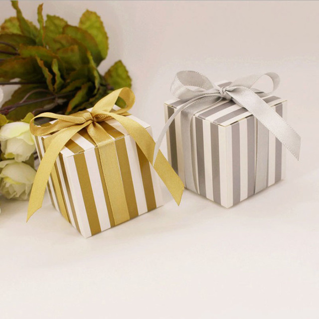50pcs/lot Gold Silver Striped Wedding Favors Box Candy Cookie Cake Boxes with Ribbon Craft Paper Gift Box bags promotion
