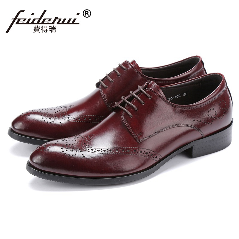 Vintage Wing Tip Man Carved Formal Dress Shoes Genuine Leather British Bridal Oxfords Round Toe Men's Party Brogue Flats HJ78 ruimosi british style brand man formal dress shoes vintage genuine leather brogue oxfords pointed toe men s wing tip flats ce38