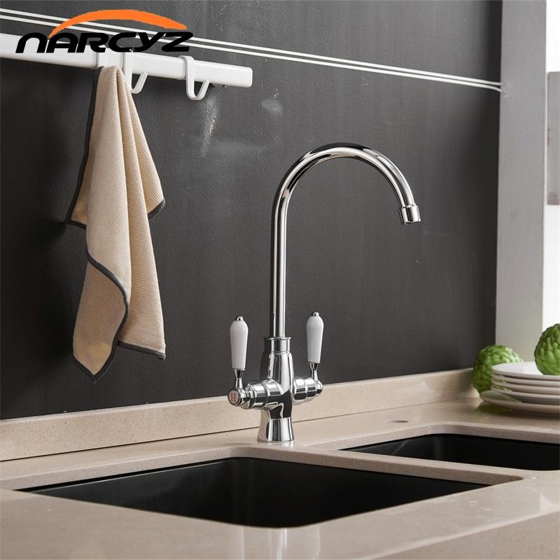 купить New double handle Hot and Cold kitchen sink faucet kitchen mixer Chrome/Black kitchen faucet sink mixer tap bathroom XT-136 по цене 3241.44 рублей