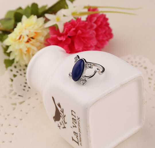 free shipping New Vampire Diaries Elena same paragraph anti-sun cat rhinestone crystal ring #3236 P1