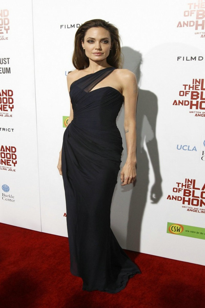 Angelina jolie red carpet dresses - photo#1