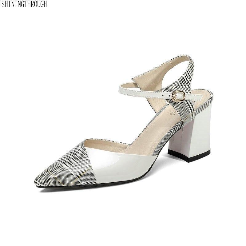 2018 echtem Leder Frauen sandalen Büro Dame Thick high Heels schuhe Solide Spitz Prinzessin Stil Mode weiß Schuh-in Hohe Absätze aus Schuhe bei  Gruppe 1