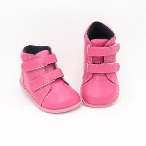 Image 1 - Tipsietoes 2020 nowe zimowe dziecięce buty skórzane Martin połowy łydki dzieci śnieg dziewczyny chłopcy kalosze moda Sneakers