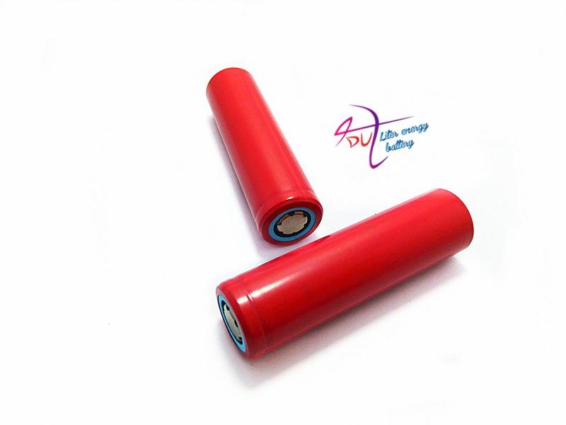4pcs / lot Izvorni novi Sanyo 18650 Li-ion punjiva baterija 2600mAh