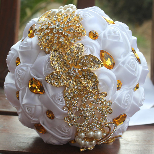 Golden Brooch Bouquets White Rose Artificial Flowers Bride Bouquet Gold Crystal Ribbon Marriage Drop Shipping