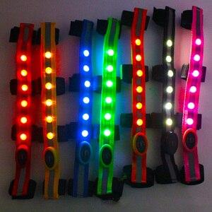 Image 5 - Наездники лошадь ремешки для крепления на голове светодиодный для Верховая езда лошадей ночной ошейник с подсветкой для верховой езды с ремнем, заменяемый CR2032 Батарея