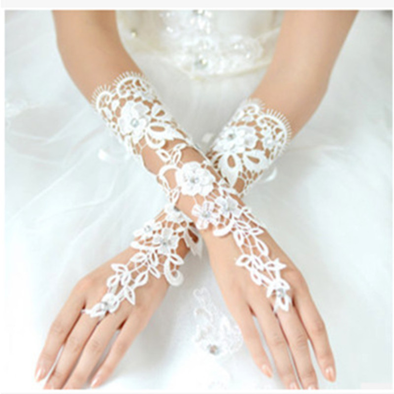 Womens Short Wedding Gloves for Bride Wrist Length Fingerless Embroidery Lace Beaded Hollow Bridal Gloves Marriage Accessories