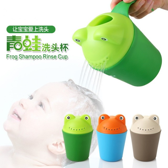 3 cores sapo bonito dos desenhos animados PP crianças crianças duche colher de bebê banho banheiras copo de lavagem Shampoo salpicos copo copo para a cabeça de lavagem