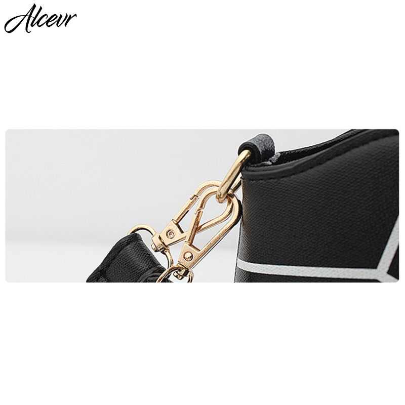 vuiton Handbags Lining Material : Polyester