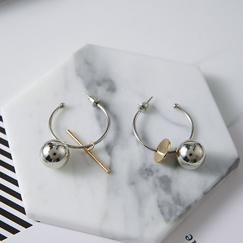 Rainbery New Semicircle Round Hoop Earrings Metal Ball Pendant Earrings Fashion Basketball Wives Earrings Asymmetric Brinco