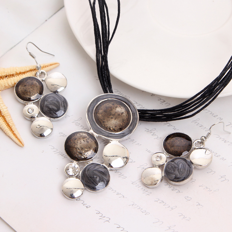 ZOSHI Geometry Circle Pendant Necklace Earring Sets Multilayer Leather Necklace Earrings Wholesale Wedding Costume Jewelry Set