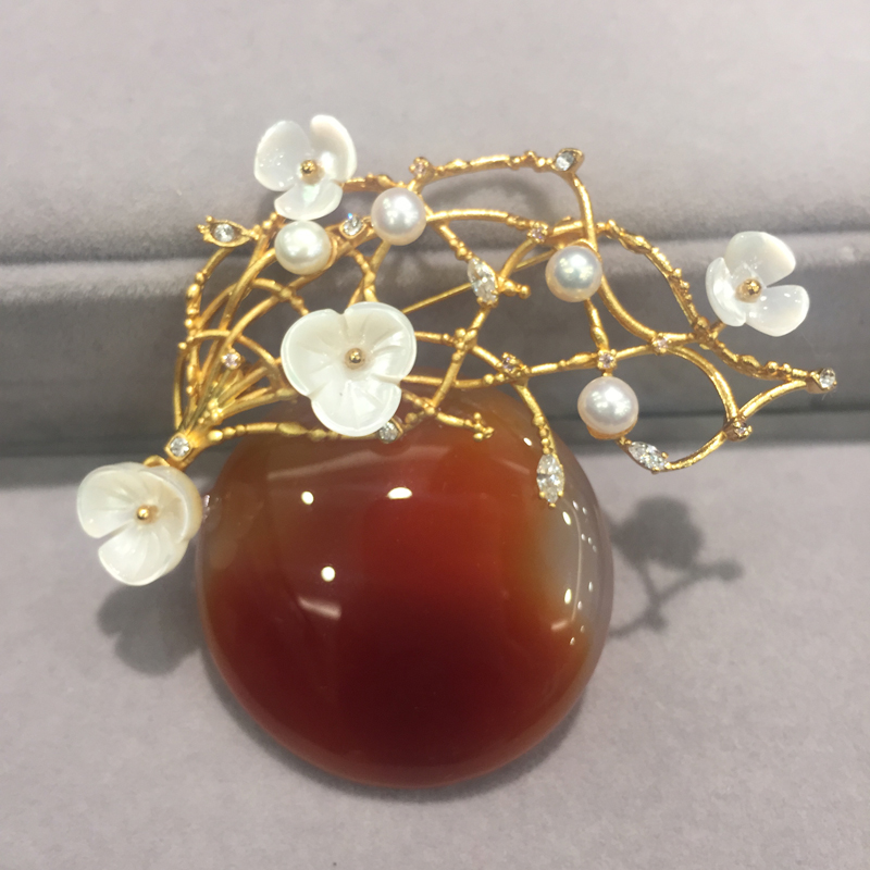 natural semi-precious stone brooch with natural freshwater pearl and shell flower brooch pins fashion women jewelry natural semi precious stone brooches pins with freshwater pearl butterfly free shipping women jewelry pendant