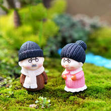INKANEAR Mini Old People Dolls Fairy Garden Miniatures Decor Dollhouse Terrarium Action Figures Figurine DIY Micro