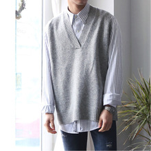 Autumn Winter New Sweater Vest Men Fashion Solid Color Casual V-neck Sleeveless Sweater Man Streetwear Wild Loose Sweater M-2XL