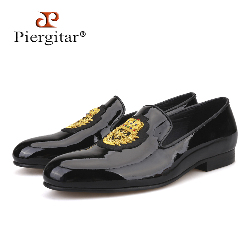 Piergitar 2018 New black patent leather men loafers with gold luxurious embroidery Fashion party and wedding