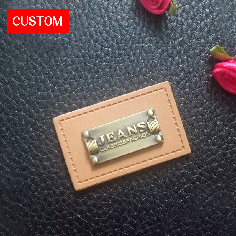 Factory Private Customzied Metal PU Leather Embossed Logo Sewing On Clothes Printing Fashion Handmade Leather Main Labels