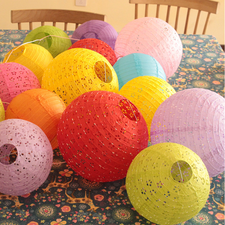 12''30cm China Round Hollow Paper Lantern 9 Color Hollow Paper Lanterns Wedding Lanterns Paper Lampshade Holiday Party Supplies
