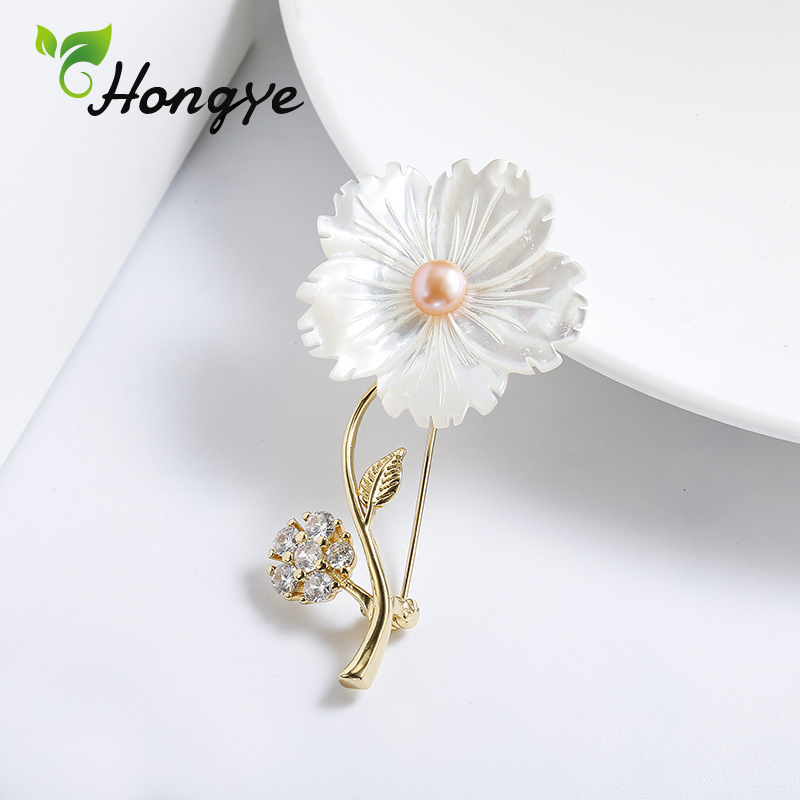 Hongye 925 Sterling Silver Brooches Women Designer Brand Zircon Insert Flower Pin Brooch Ladies Elegant Freshwater Pearl Brooch