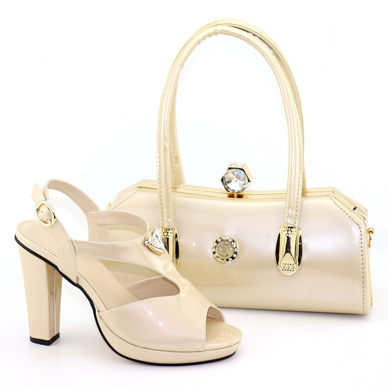 Hot sale beige women pumps with a big crystal handbag african shoes match bag for party dress V8103Hot sale beige women pumps with a big crystal handbag african shoes match bag for party dress V8103