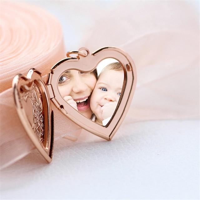 Девушки в форме сердца фото