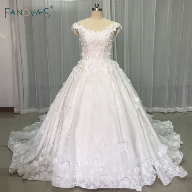 Vintage Wedding Dresses 2017 Flower Pearls Beaded Princess Ball Gown ...